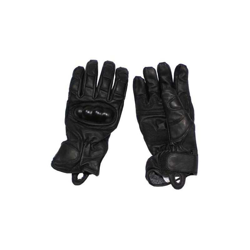 Kožené rukavice s chráničema kloubů a ochranou proti proti proříznutí